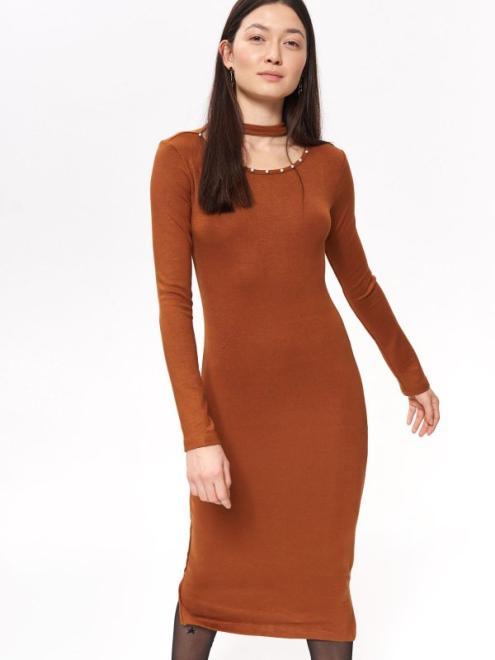 TROLL  sukienka damska, zdobiona koralikami przy dekolcie TSU0739 Платье Camel оптом
