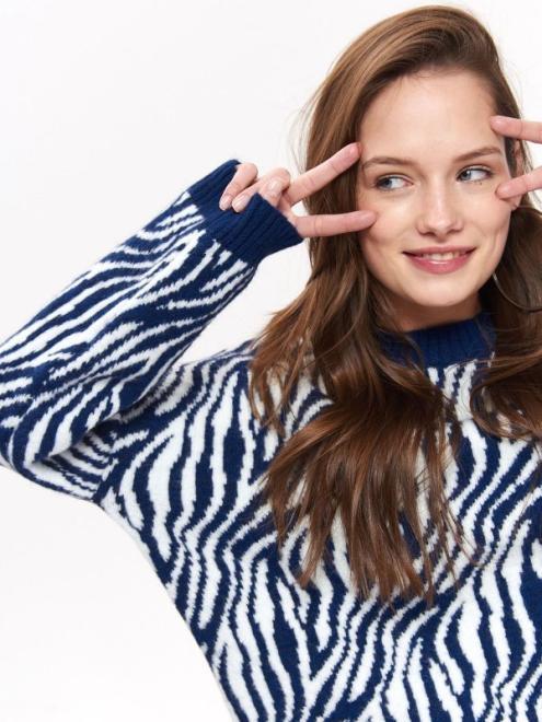 TROLL  sweter damski, w zwierzęcy wzór TSW0905 Свитер Темносиний оптом