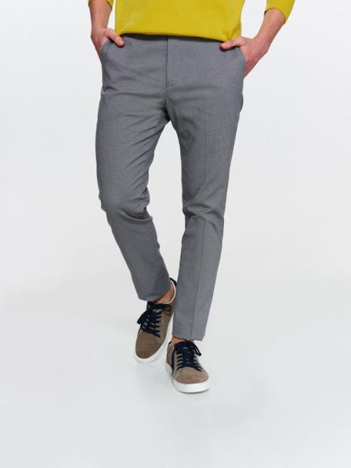 TOP SECRET  spodnie męskie ze strukturalnej tkaniny o dopasowanym kroju SSP2765 Брюки Серый оптом