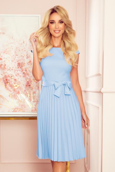 Numoco  311-8 LILA Plisowana sukienka z krótkim rękawkiem Платье jasny błekit оптом