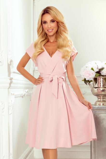Numoco  348-1 SCARLETT - rozkloszowana sukienka z kopertowym dekoltem Платье Розовая пудра оптом