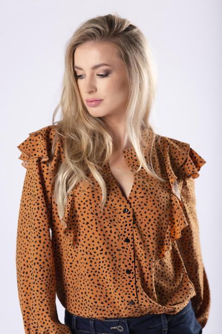 LA VIE  koszula z falbankami na ramionach i bufiastymi rękawami M81370 Блузка Бежевый оптом