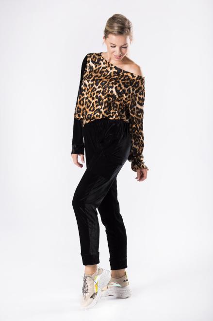 MARI MARI  welurowy dres w panterkę M81113 Трикотажные брюки Multikolor оптом