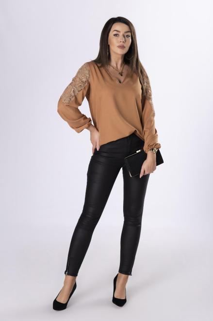 Bien Fashion  bluzka z koronką na rękawach  M83167 Блузка Коричневый оптом