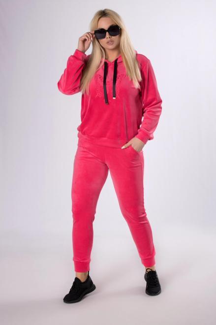 IWA  welurowy dres z aplikacją M83858 Трикотажные брюки Розовый оптом