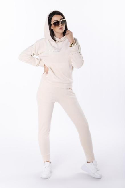 OOH LA LA  welurowy dres z wyszywanym napisem M81894 Трикотажные брюки Кремовый оптом