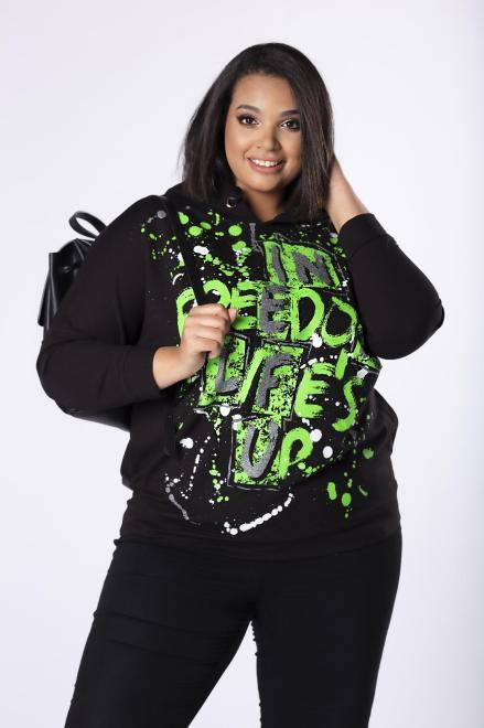 MADAM TRIS  bluza z kapturem i brokatowym nadrukiem na biuście M81681 Блузы +Size Черный оптом