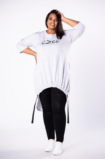 IZEE  dresowa tunika z asymetrycznym dołem z szelkami, brokatowym nadrukiem na biuście i wydłużonym tyłem M81029 Трикотажные брюки Серый оптом