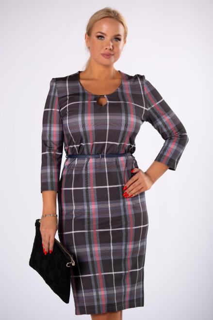 FASHION SOLO  dzianinowa sukienka w kratkę z paskiem i błyszczącą aplikacją przy dekolcie M73070 Платья +Size Multikolor оптом