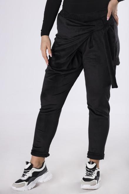KOKORO  welurowe spodnie z kopertową zakładką M83260 Брюки +Size Черный оптом