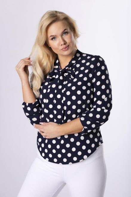 SANDRA  wzorzysta bluzka o koszulowym kroju z fontaziem M74362 Блузки +Size Темносиний оптом